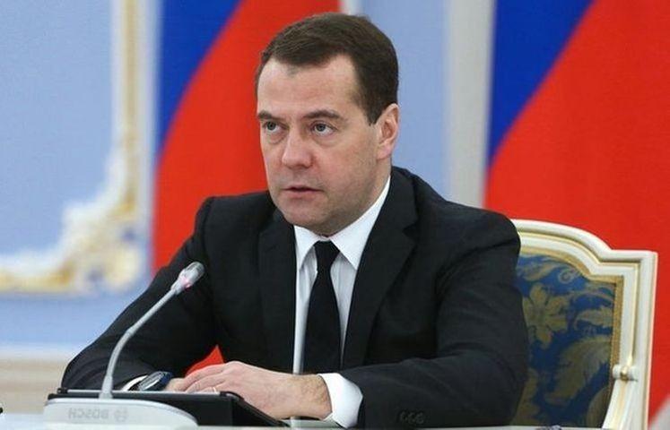 Медведев: страны ослабляют позиции друг друга в экономике вместо их укрепления