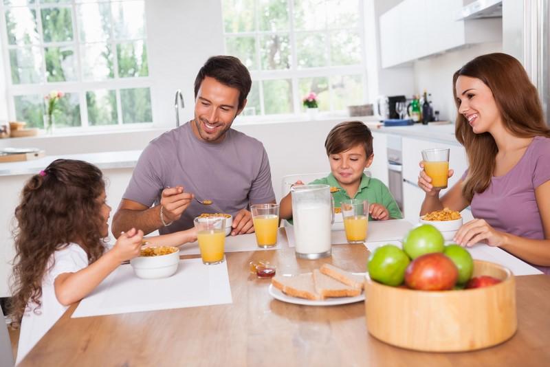 Завтрак отдай врагу: вот нес…
