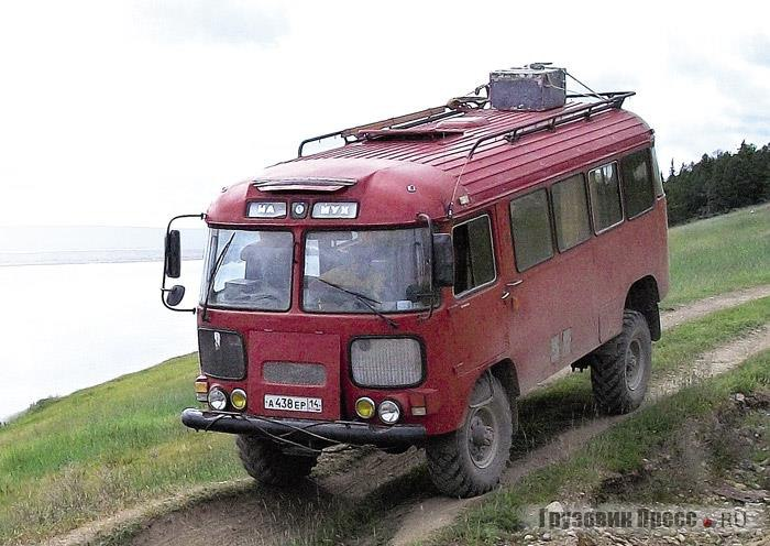 Суровый якутский кемпер из автобуса ПАЗ-3201