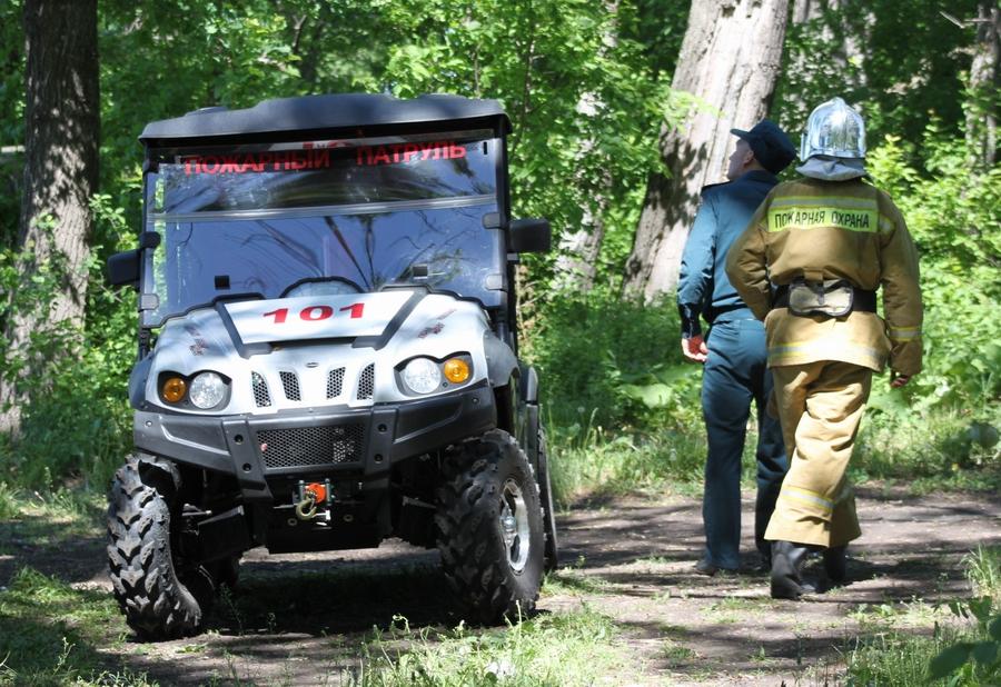 Пожарные Уфы начали патрулировать лесные массивы на квадроцикле