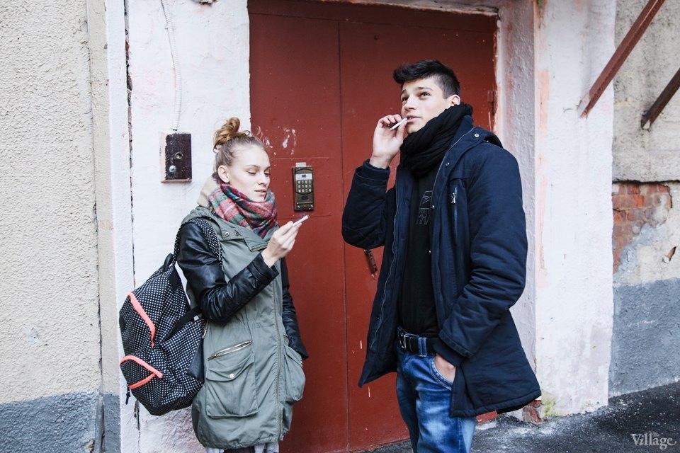 Курильщикам запретят курить у подъездов жилых домов