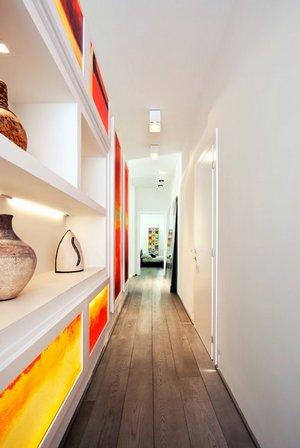 стеллаж в коридоре