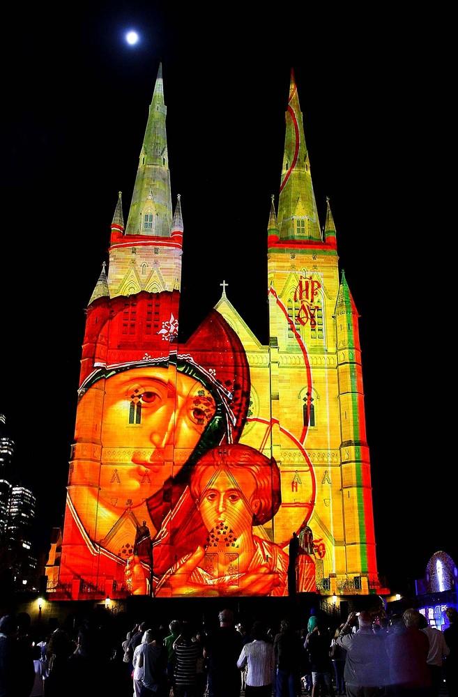 Праздник к нам приходит: Новогодние огни 2013