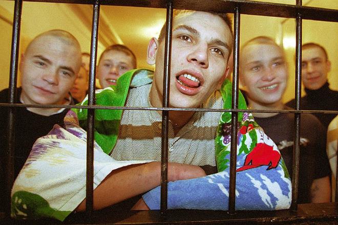 Какие профессии презирают в тюрьме