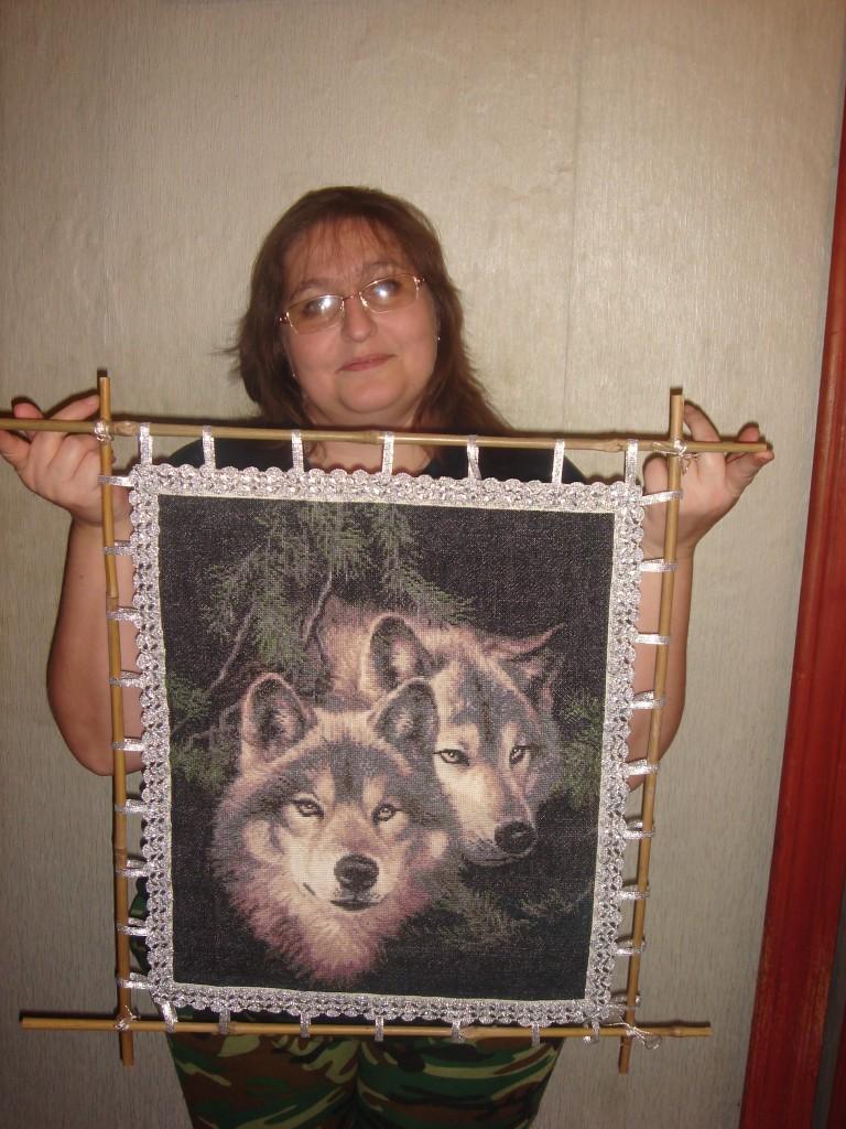Вышивка 2 волка схема 83