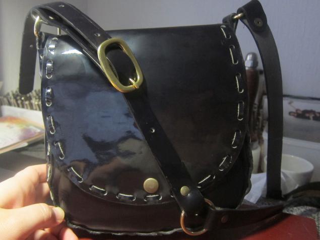 Cумка из толстой кожи с ремешком без использования швейной машинки