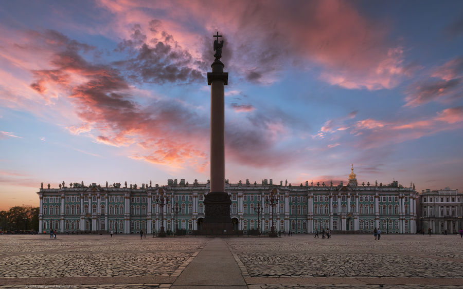 10 Fascinating Views of Saint Petersburg