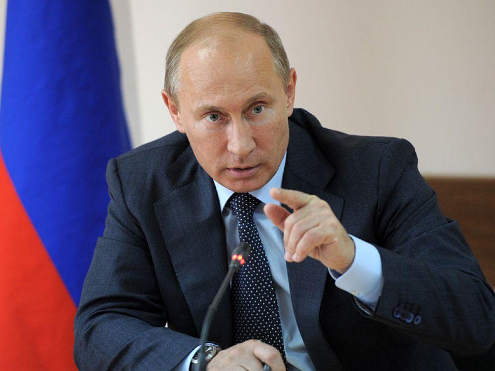 Владимир Путин вышел на татами в Сочи и повредил палец при броске. Видео
