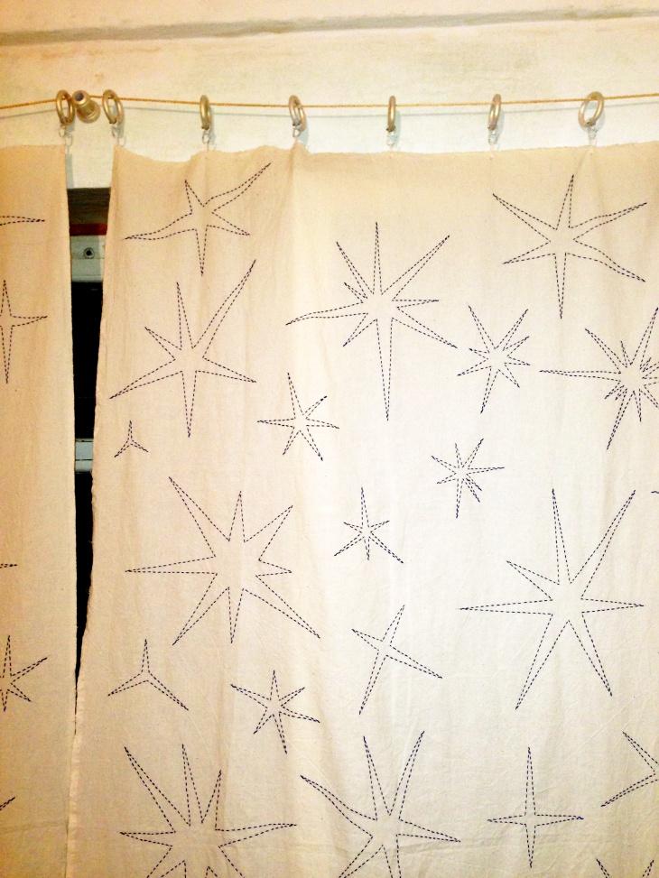 Занавеси со звездами. Шторы