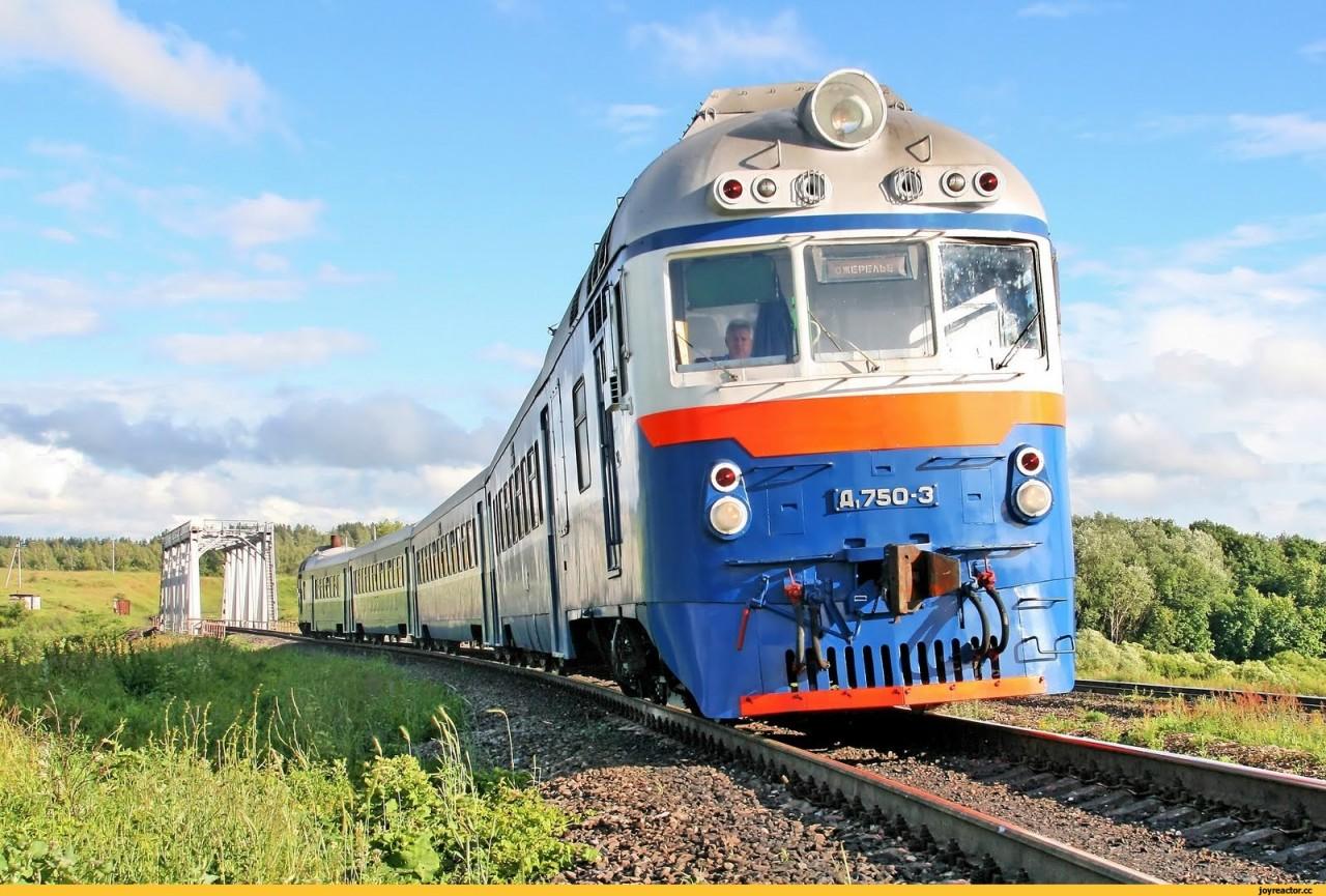 Поезд, скрывшийся с места смертельного ДТП, не могут найти