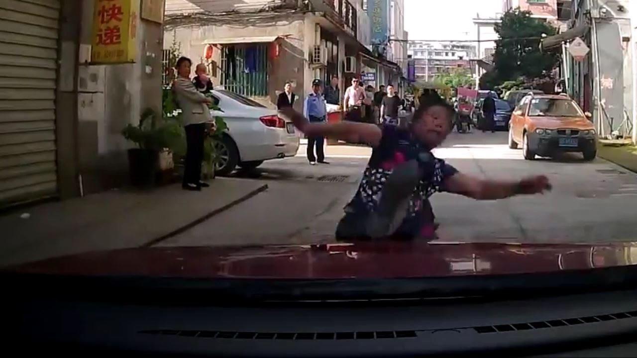 Забавная автоподстава на дорогах Китая
