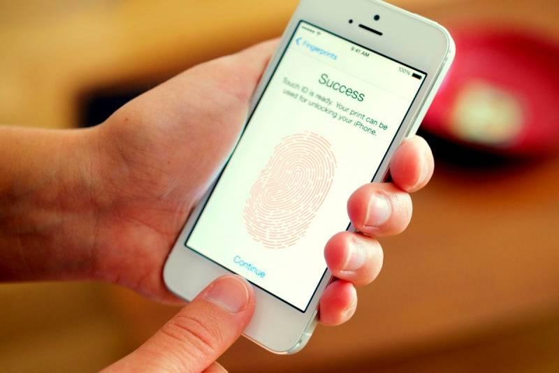 Сканер отпечатков пальцев больше не спасет смартфон от взлома