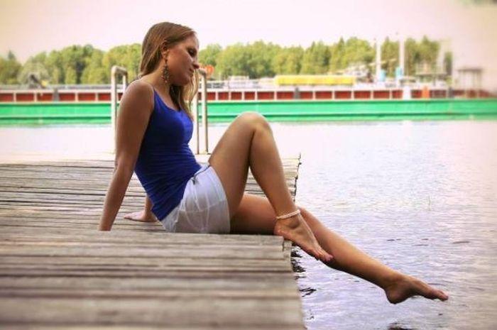 Девушки с длинными ногами (44 фото)