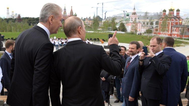 Путин поручил властям Москвы стимулировать создание логистического центра в зоне ЦКАД