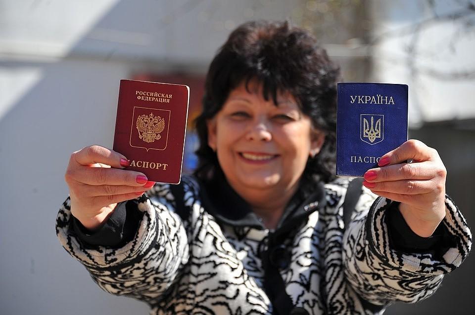 Почему Россия очень хочет, но никак не может без препон выдавать гражданство украинцам и белорусам
