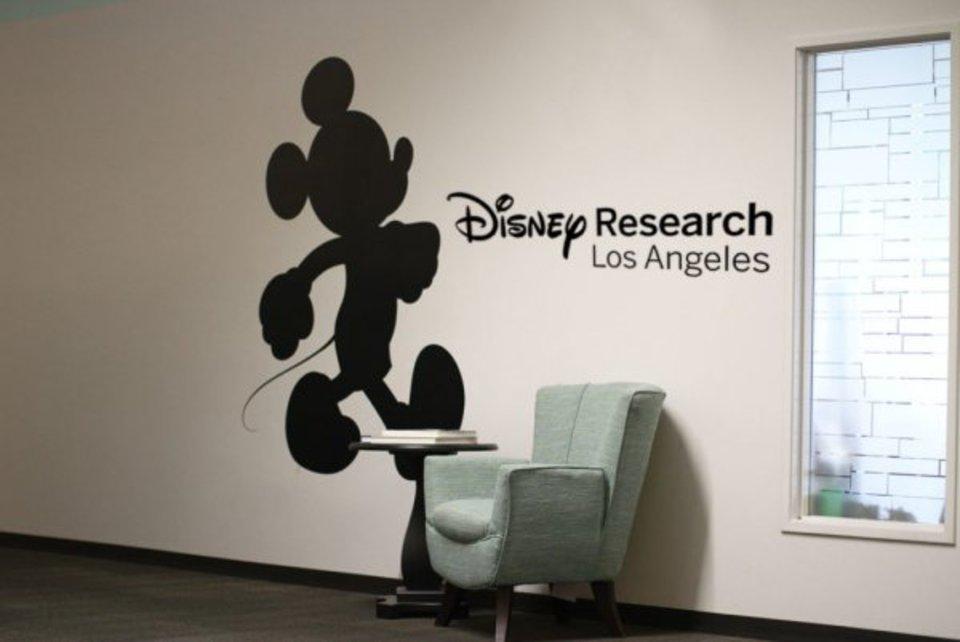 Робот Disney выполнил акроба…