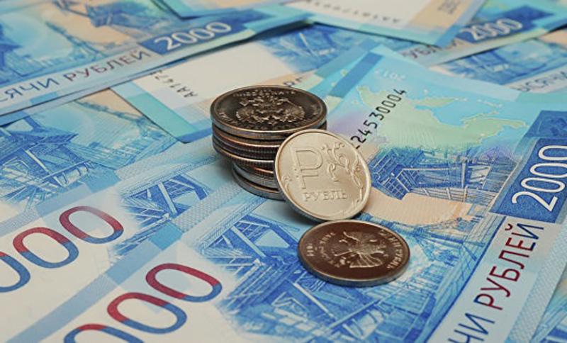 В РПЦ призвали уравнять зарп…