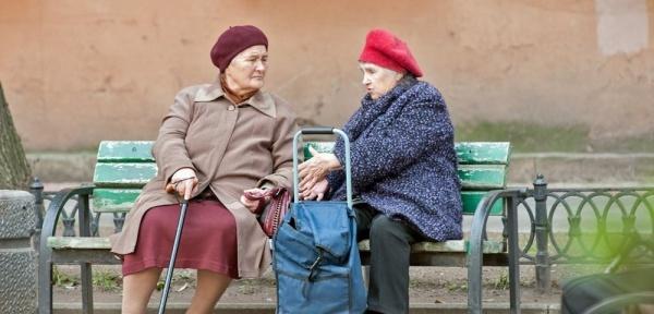 Эксперты: Пожилые латвийцы берут гражданство России из-за пенсий