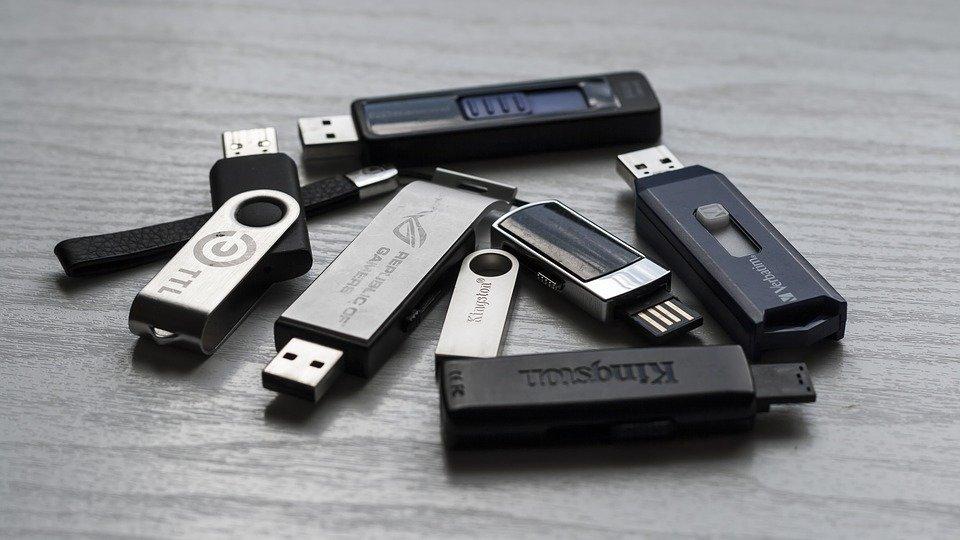 Эксперты рассказали о пользе безопасного извлечения USB-накопителя