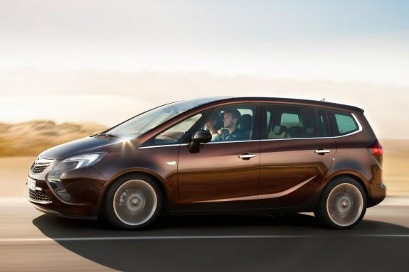 Opel превратит однообъемники Meriva и Zafira в кроссоверы