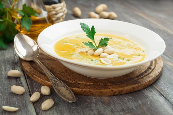 Суп из нута с арахисом и зеленью