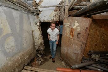 Владимир Бурматов помог жителям дома с рухнувшим балконом