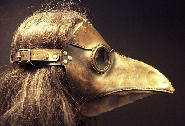 Зачем средневековые врачи носили маски в виде клюва?