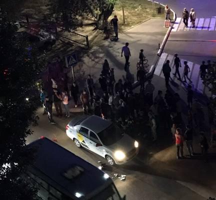 Лишенный прав таксист сбил ребенка у саратовского торгового центра