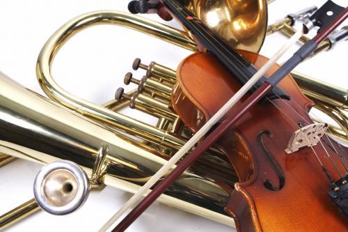 Школы искусств в Москве получат 35 тысяч новых музыкальных инструментов