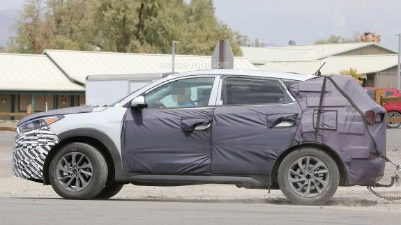 Новый кроссовер Hyundai ix35 показался почти без маскировки