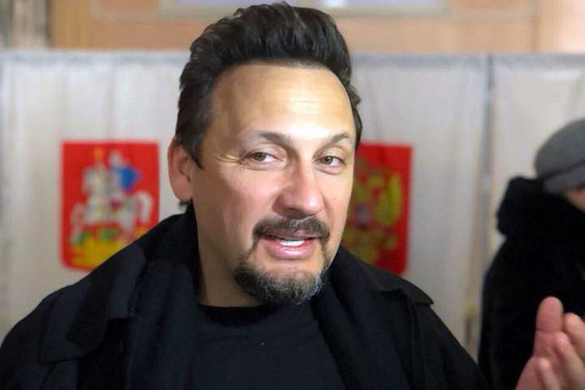 В Сети обсуждают неприлично богатый аксессуар Стаса Михайлова