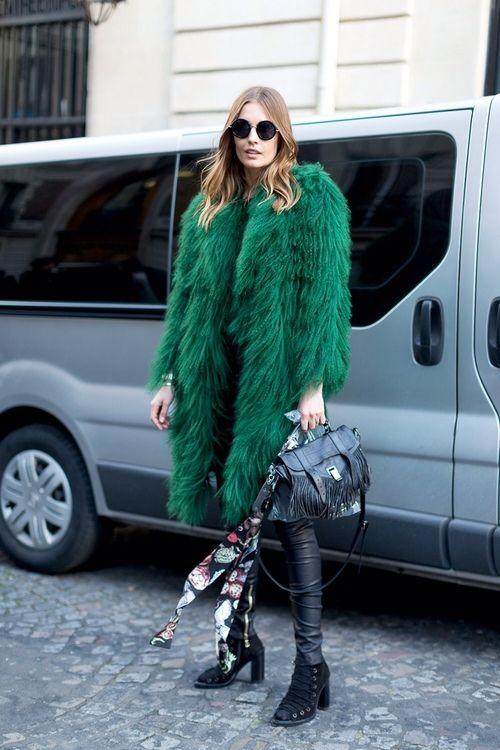 Как носить шубу зимой 2018: 7 модных образов от продвинутых модниц