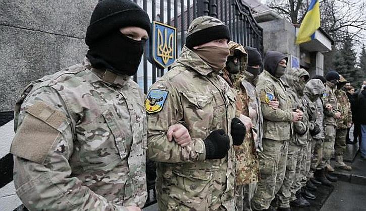 Бандитские группировки ведут Украину к хаосу