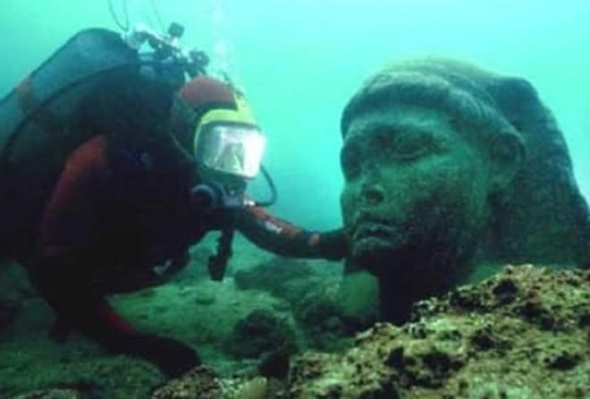 Океанские глубины таят в себе ещё несметное количество тайн!