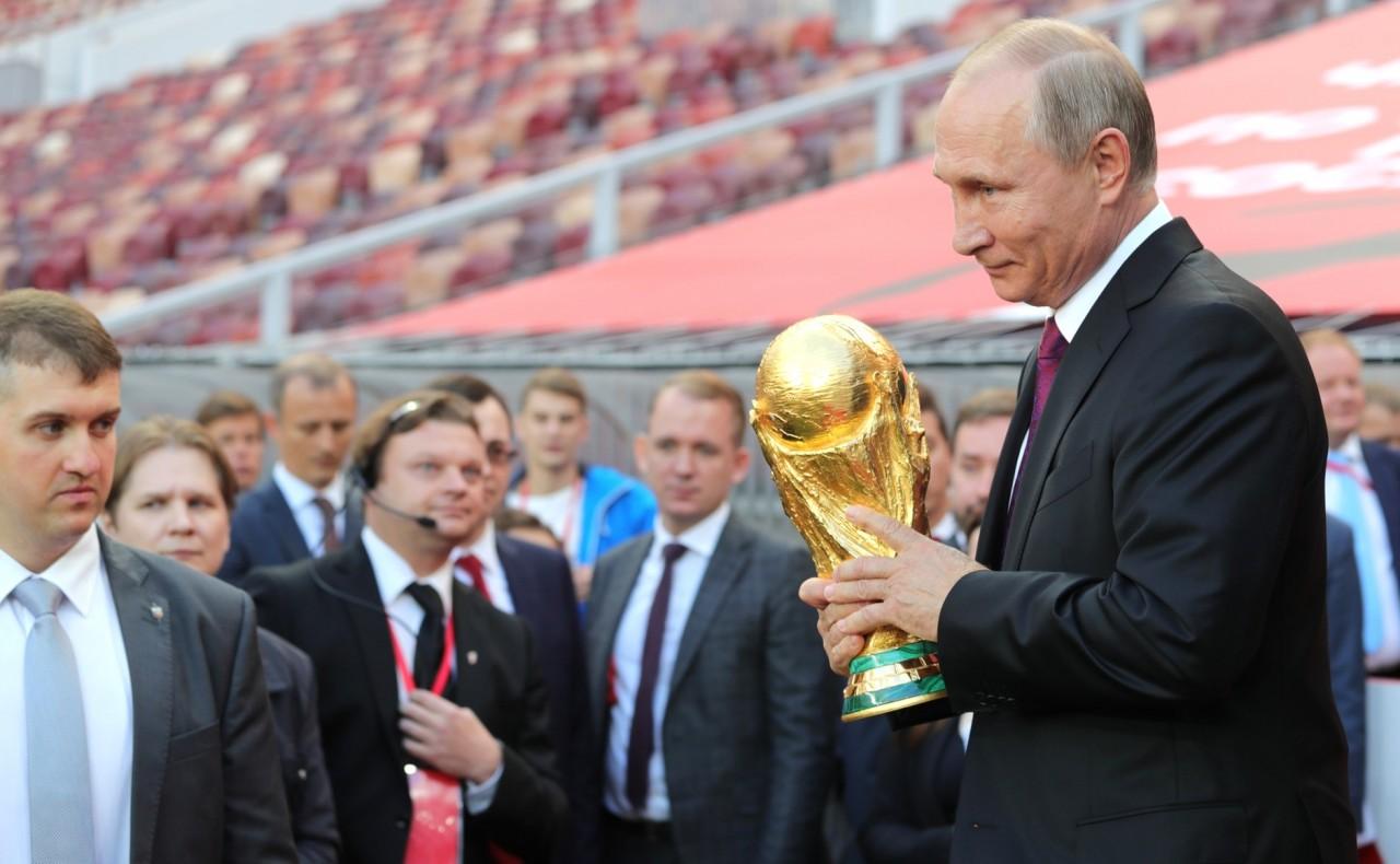 Россия оправдывает ожидания: ЧМ-2018 поможет экономике.