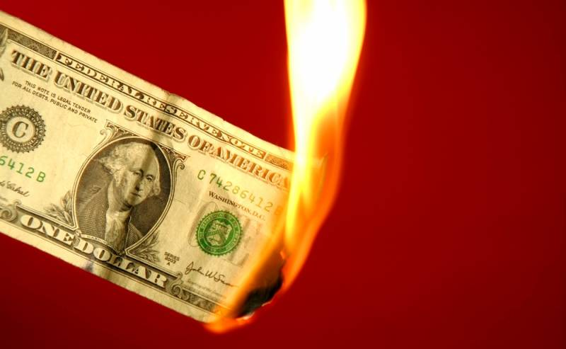 Как скоро будет уничтожен доллар?