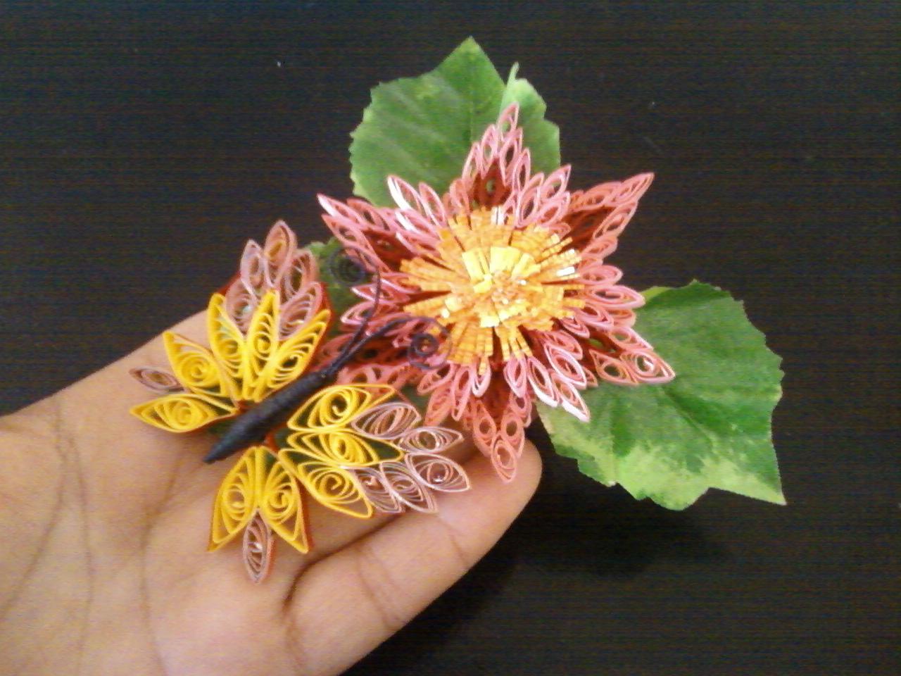 Бабочка на цветочке(квиллинг)