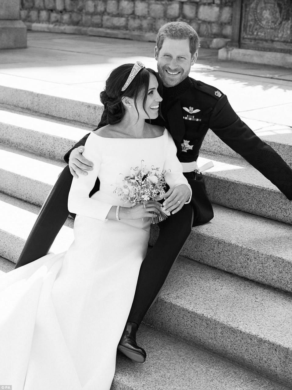 Принц Гарри и Меган выставили официальные снимки с церемонии свадьбы. Восхитительная пара!