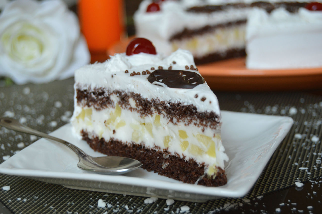 Кефирный торт – идеальный способ поднять настроение себе и своим родным в холодную и пасмурную погоду