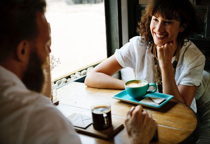 Почему флирт полезен для брака. Рассказывает психотерапевт