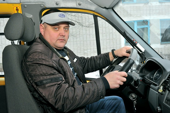 СМИ: водители общественного транспорта получат нейрокепки против засыпания за рулем
