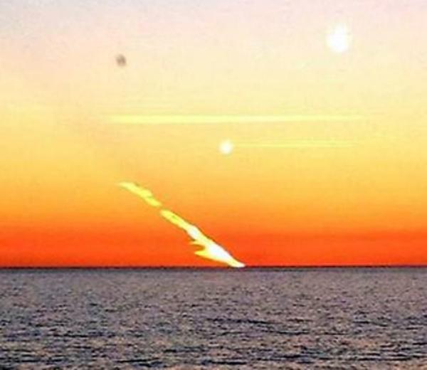 Над Австралией промчался огненный шар/  Огромный водный смерч в Сочи