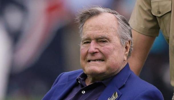 В США разгорается секс-скандал вокруг Буша-старшего