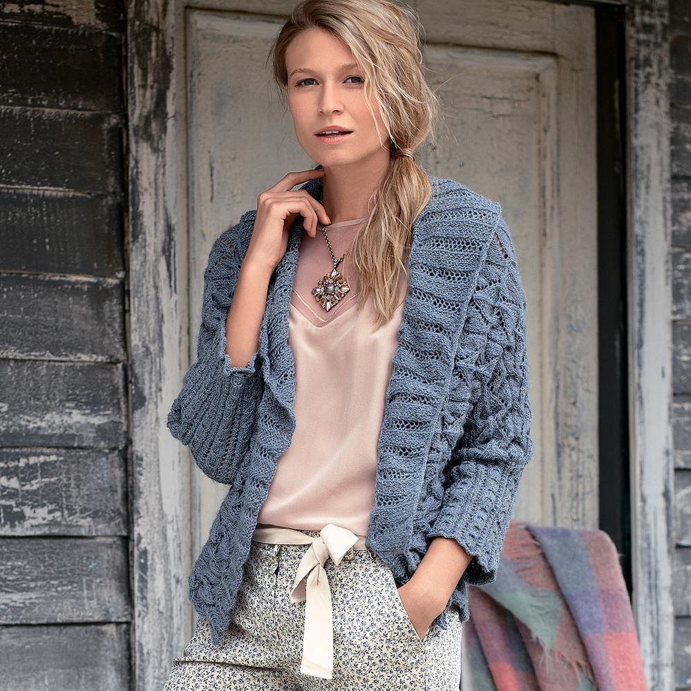 пальто голубое схема вязания спицами