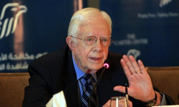"""Мир смотрит на Америку как на """"главного разжигателя войн.""""     С таким признанием выступил  бывший президент США Джимми Картер."""