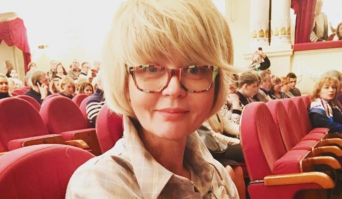 48-летняя ЮляМеньшова показ…
