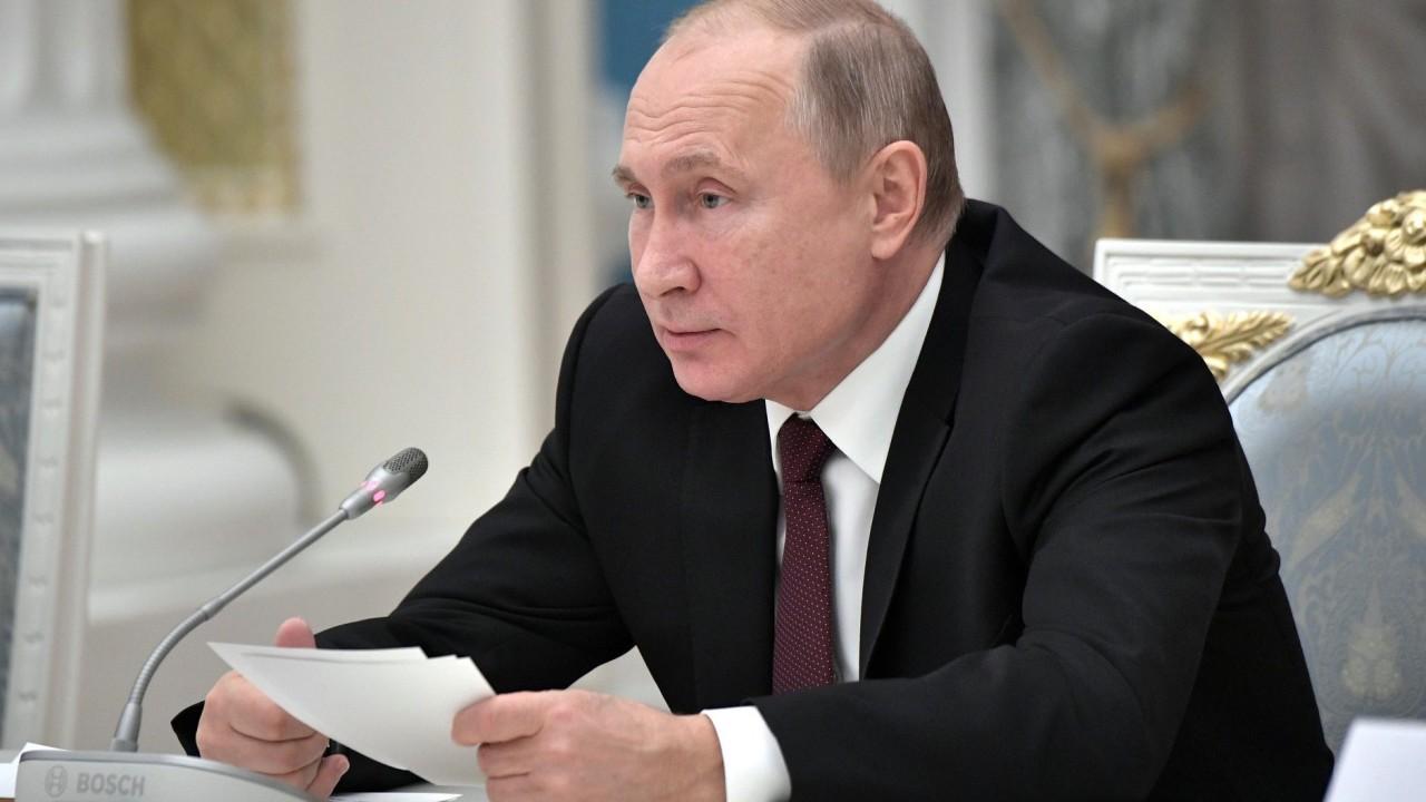 Путин 15 декабря приедет в Петербург