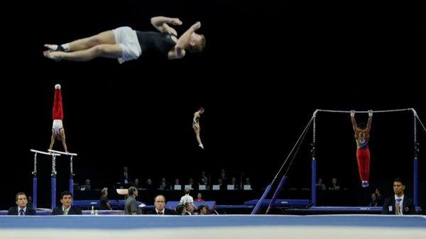 Российские гимнасты завоевали серебро в командном турнире на ЧМ-2018 г.