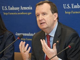 Посол: США активно участвовали всоздании гражданского общества вАрмении