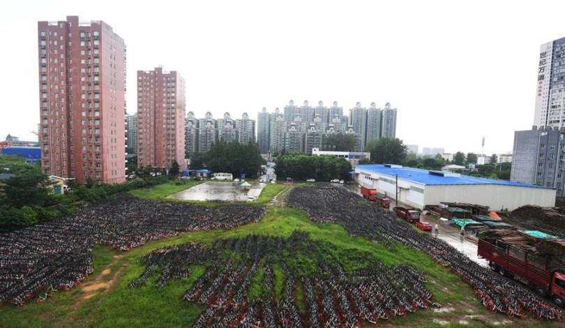 Гигантские кладбища велосипедов в Китае.
